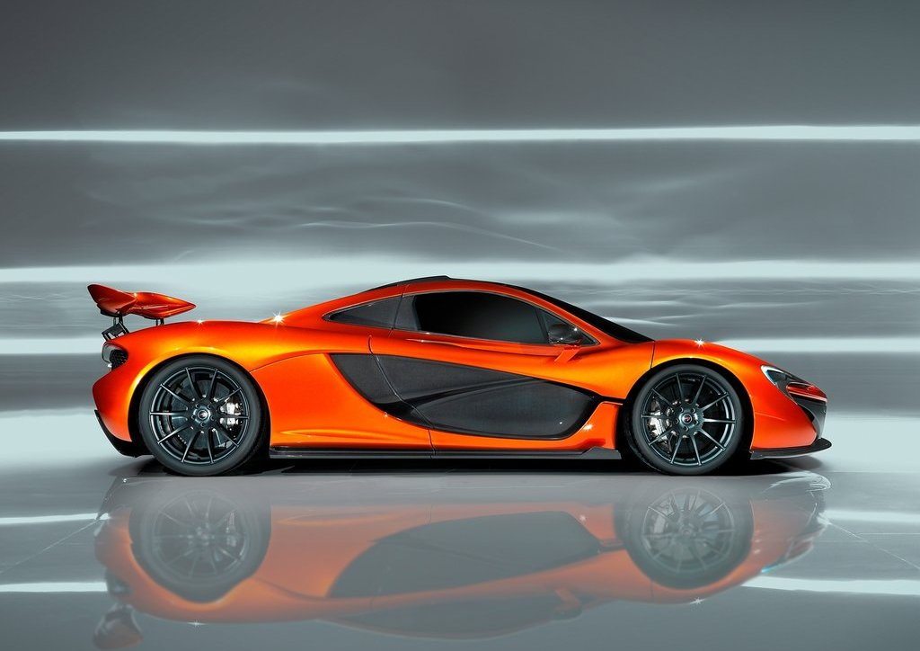 2012 McLaren P1 Side (Photo 5 of 6)