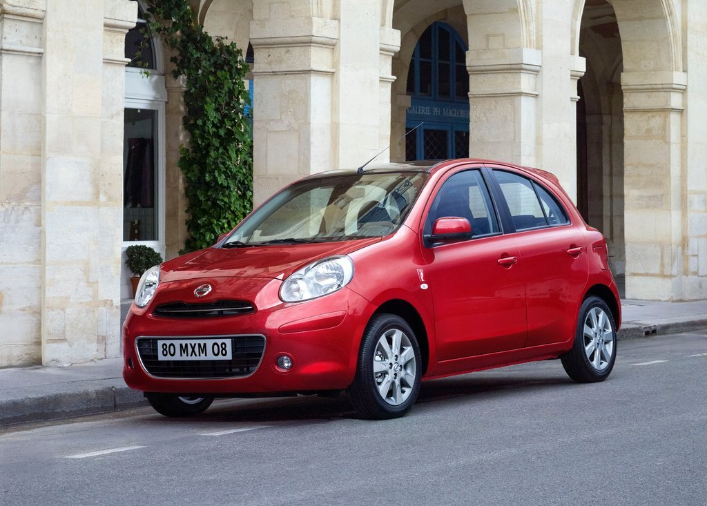 2012 Nissan Micra ELLE Front Angle (Photo 3 of 6)