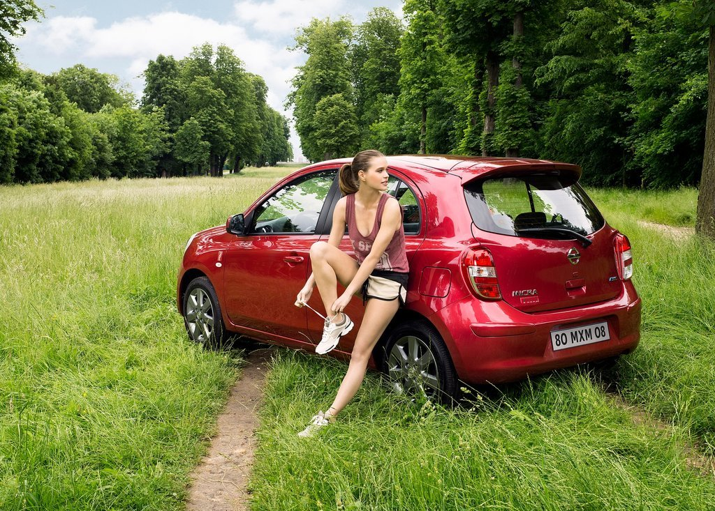 2012 Nissan Micra ELLE Side View (View 4 of 6)