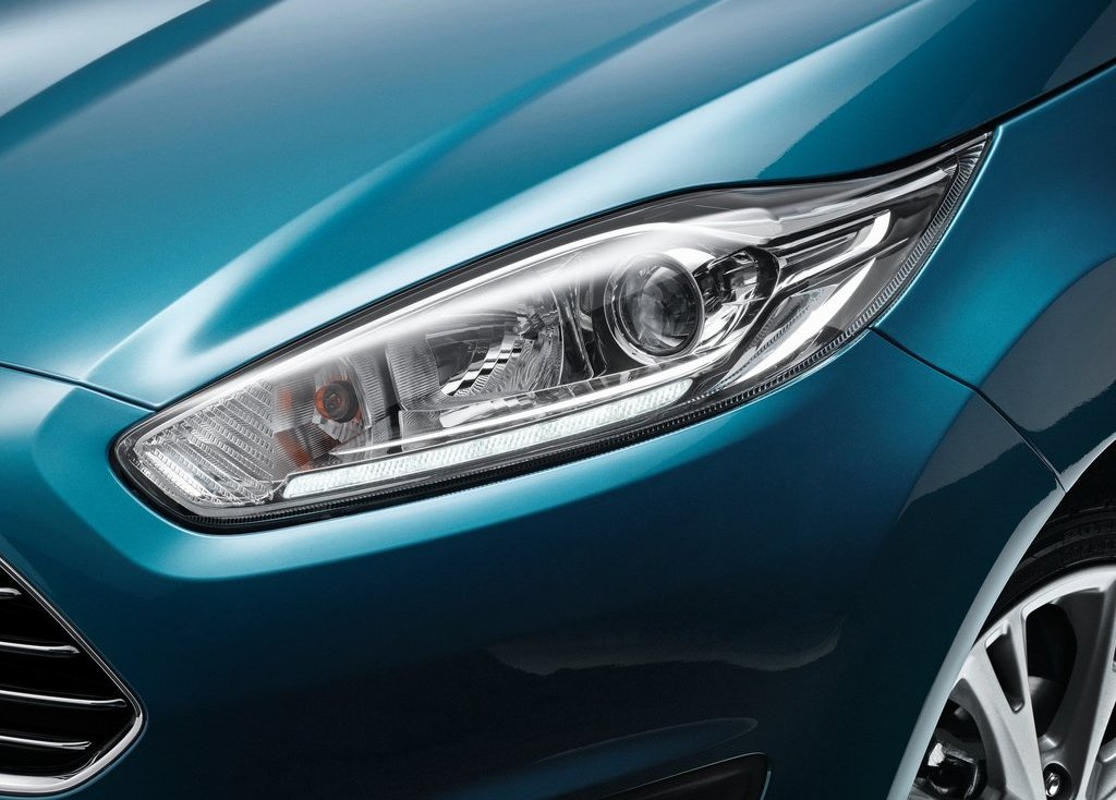 2013 Ford Fiesta Head Lamp (Photo 4 of 8)