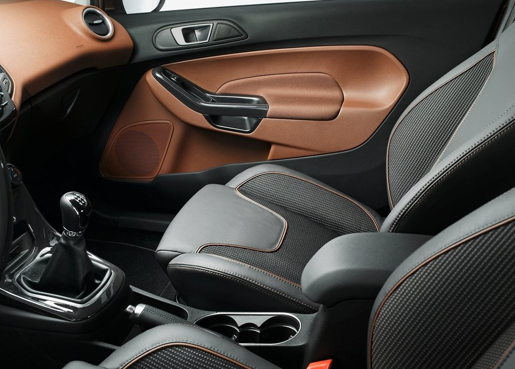 2013 Ford Fiesta Seat (Photo 7 of 8)