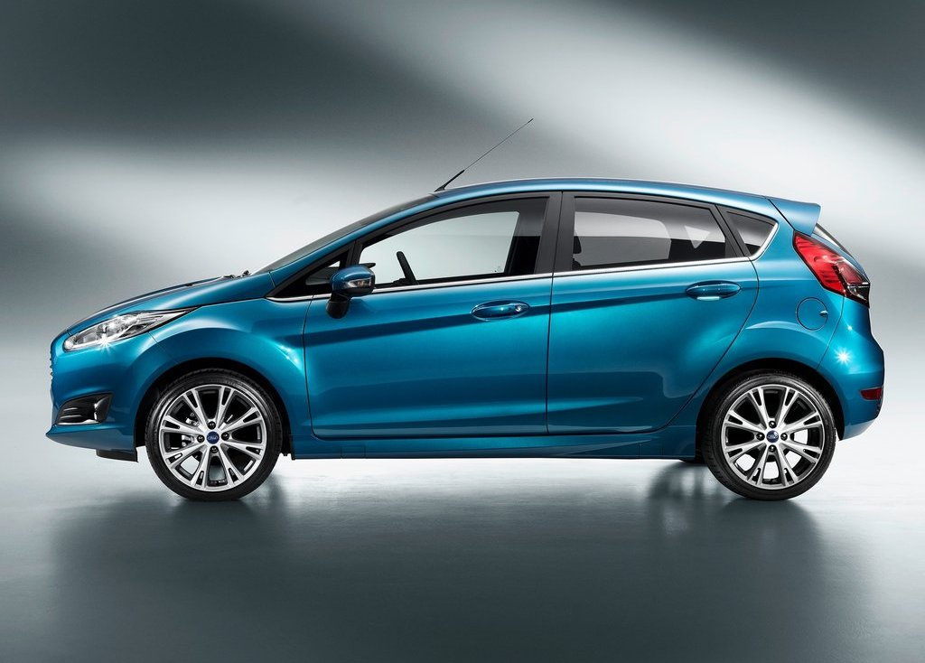 2013 Ford Fiesta Side (Photo 8 of 8)