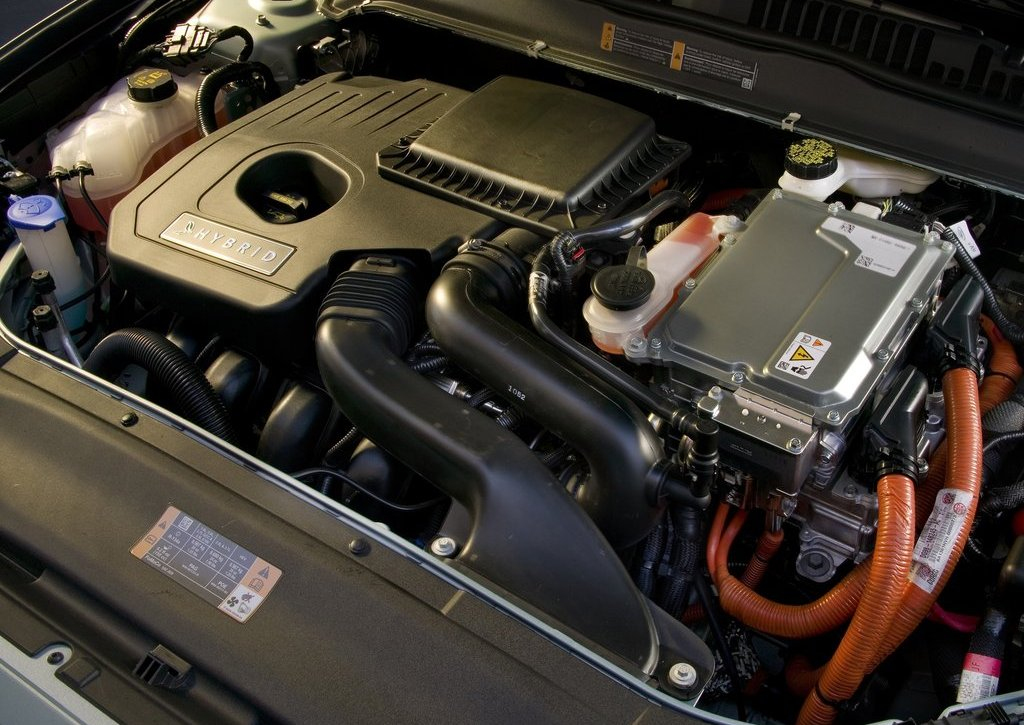 2013 Ford Fusion Hybrid Engine (Photo 3 of 8)