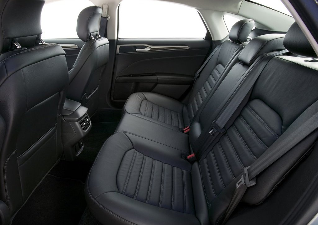 2013 Ford Fusion Hybrid Seat (Photo 6 of 8)
