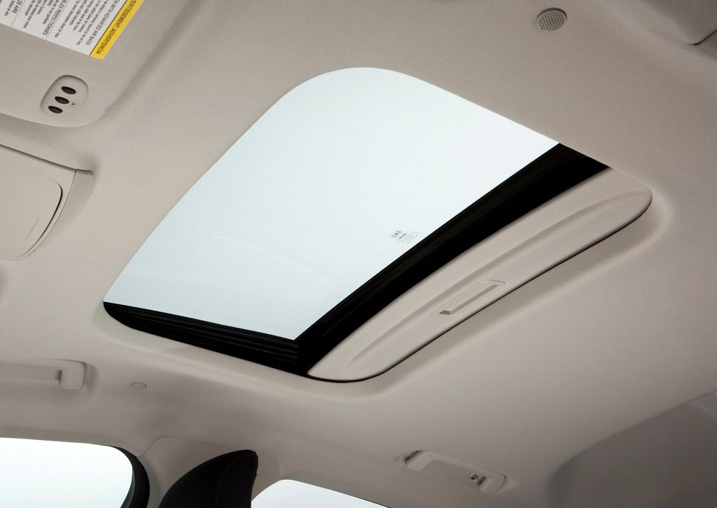 2013 Ford Fusion Hybrid Sunroof (Photo 8 of 8)