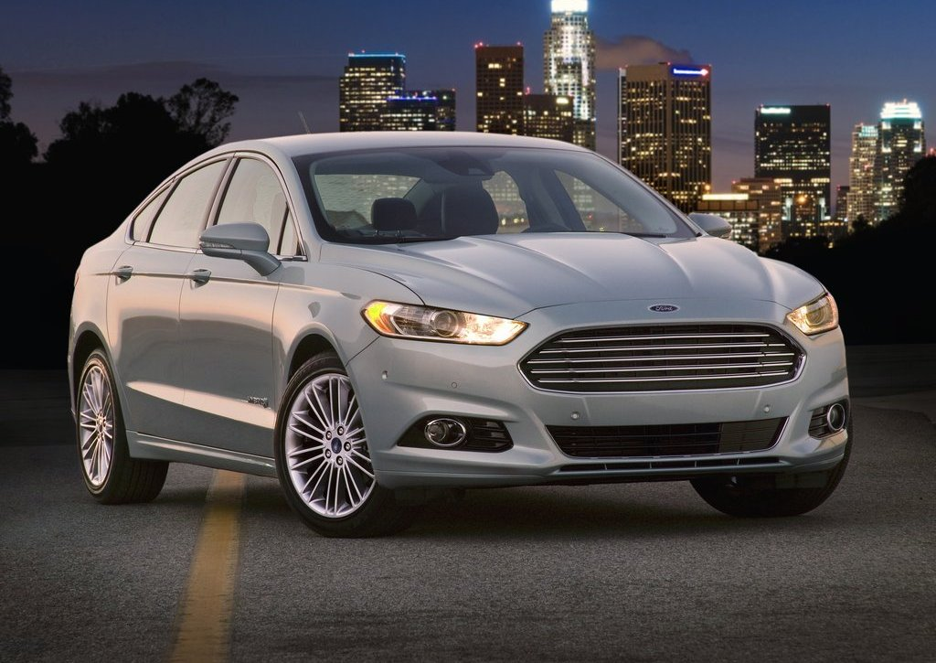 Featured Image of 2013 Ford Fusion Hybrid Car Review
