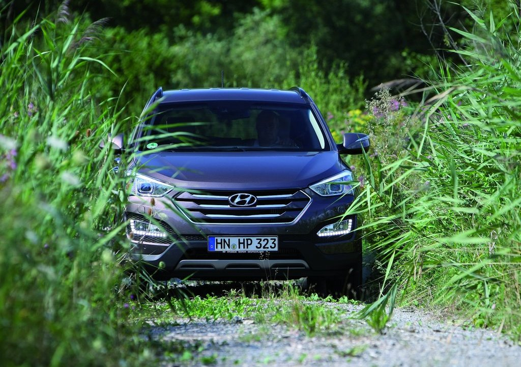 2013 Hyundai Santa Fe EU Version Front (View 3 of 10)