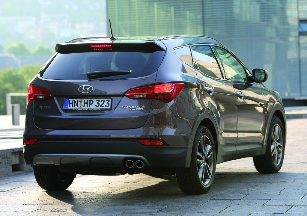 2013 Hyundai Santa Fe EU Version Rear (View 5 of 10)