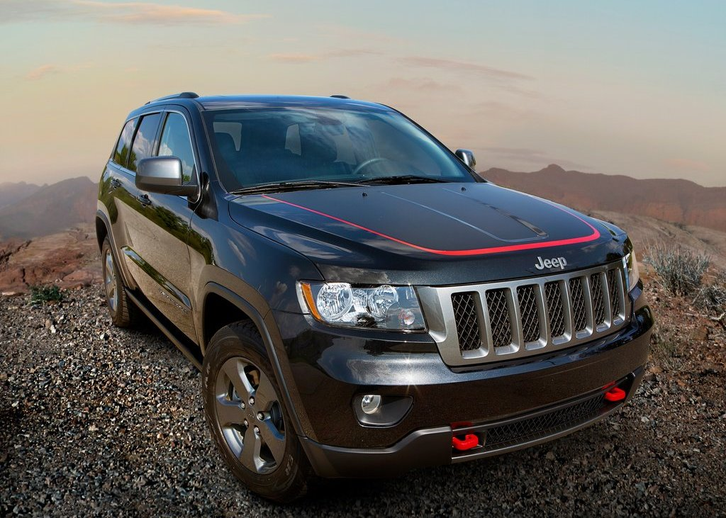 2013 Jeep Grand Cherokee Trailhawk Black (Photo 2 of 7)