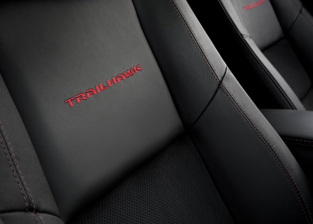 2013 Jeep Grand Cherokee Trailhawk Seat (Photo 7 of 7)