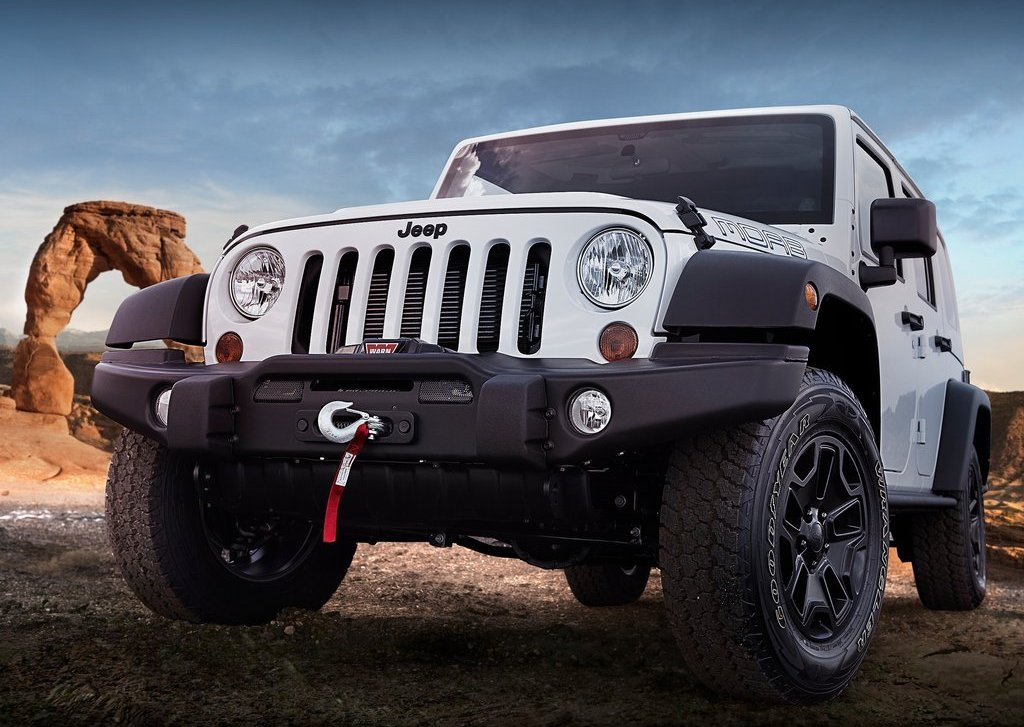 2013 Jeep Wrangler Unlimited Moab Grill (Photo 4 of 7)