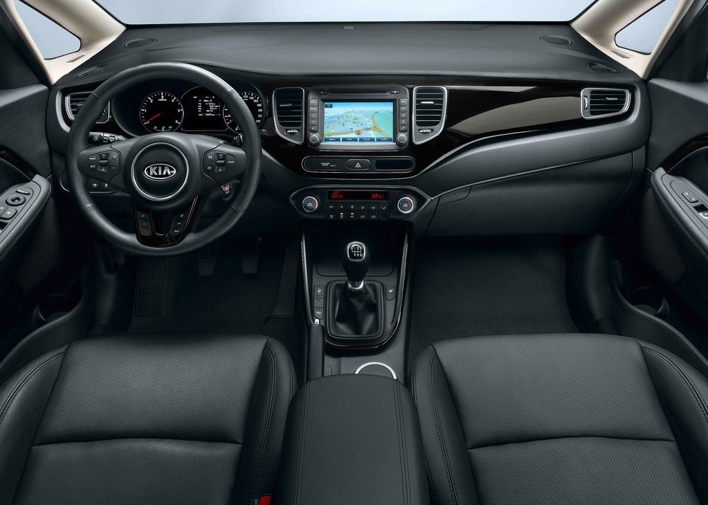 2013 Kia Carens Interior (View 1 of 4)