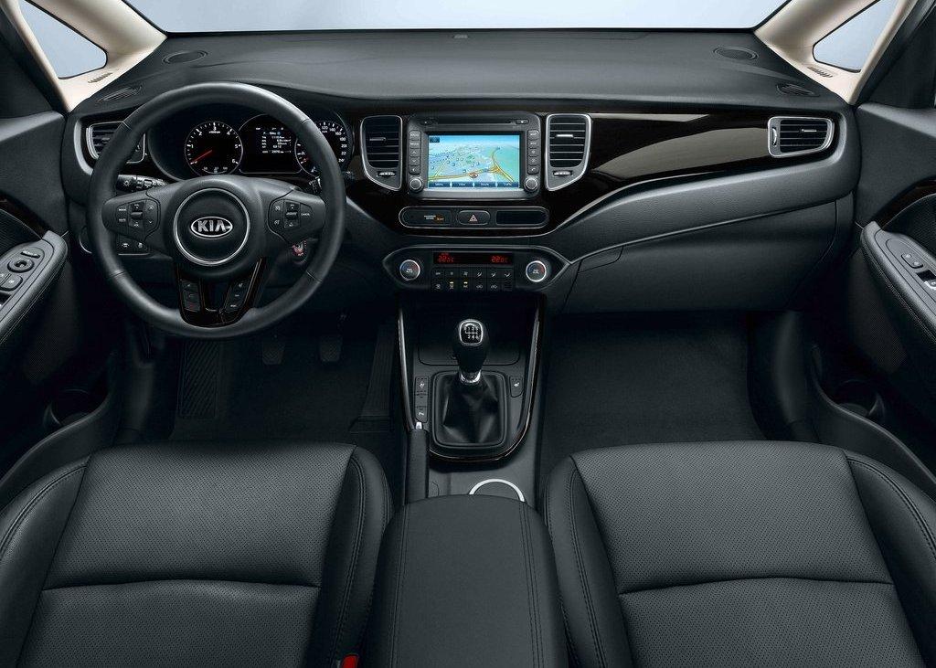 2013 Kia Carens Interior (Photo 2 of 4)