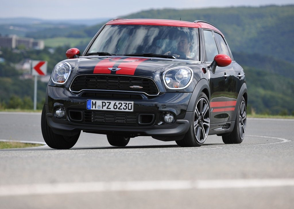 2013 Mini Countryman John Cooper Works Front (Photo 4 of 9)