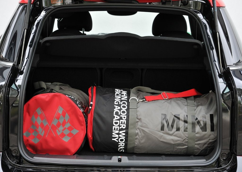 2013 Mini Countryman John Cooper Works Trunk (Photo 9 of 9)