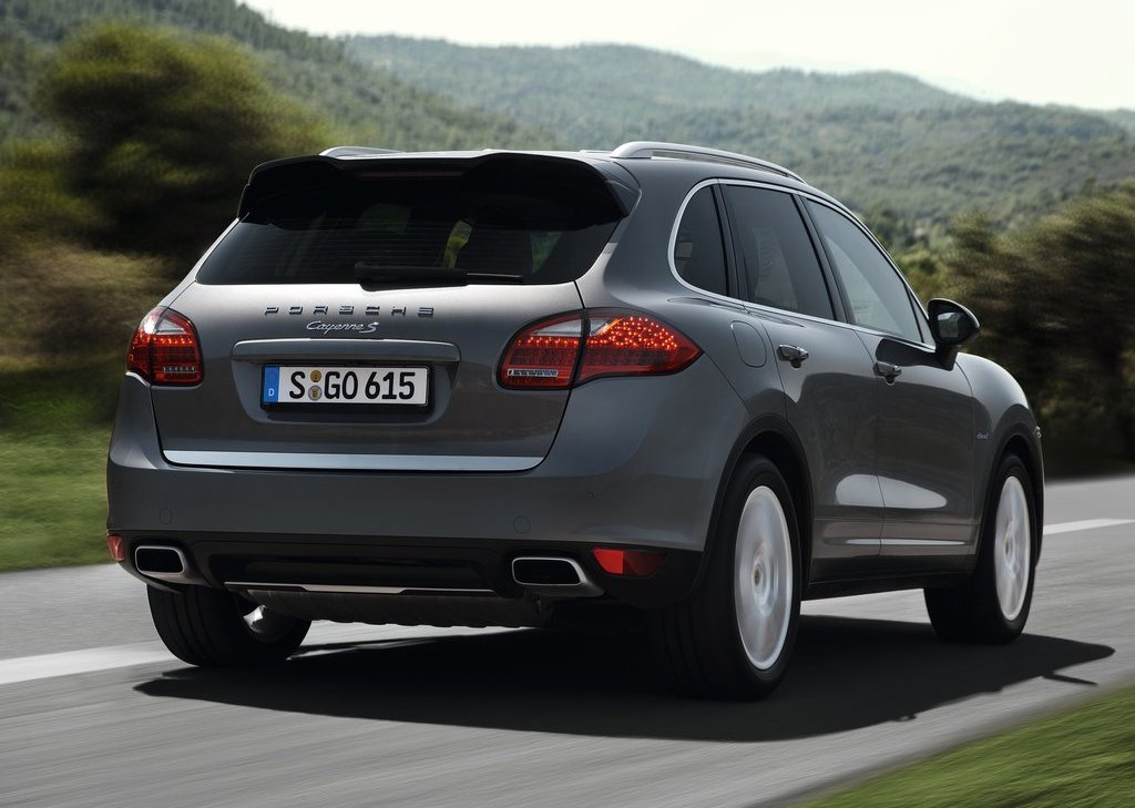 2013 Porsche Cayenne S Diesel Rear (Photo 3 of 4)