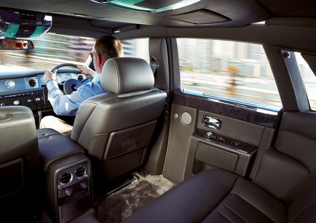 2013 Rolls Royce Phantom Room (Photo 8 of 12)