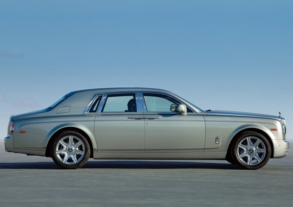 2013 Rolls Royce Phantom Side View (View 9 of 12)