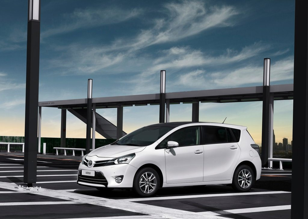2013 Toyota Verso Front (View 1 of 4)