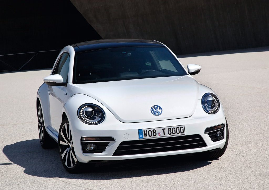 Featured Image of 2013 Volkswagen Beetle R Line Review