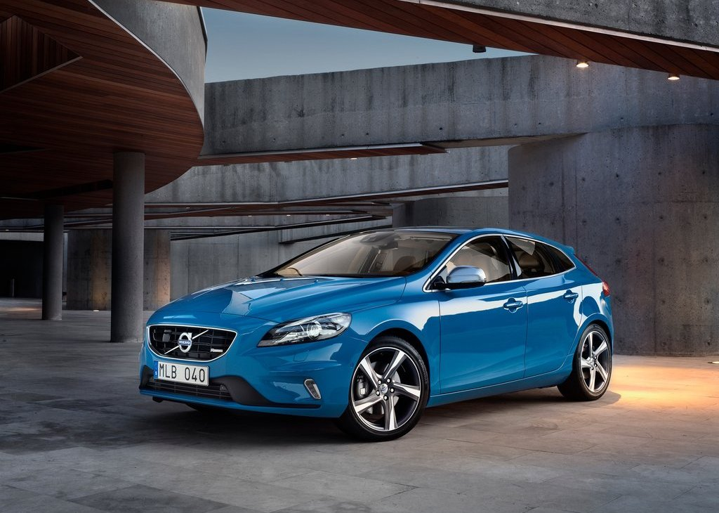 2013 Volvo V40 R Design (View 5 of 6)