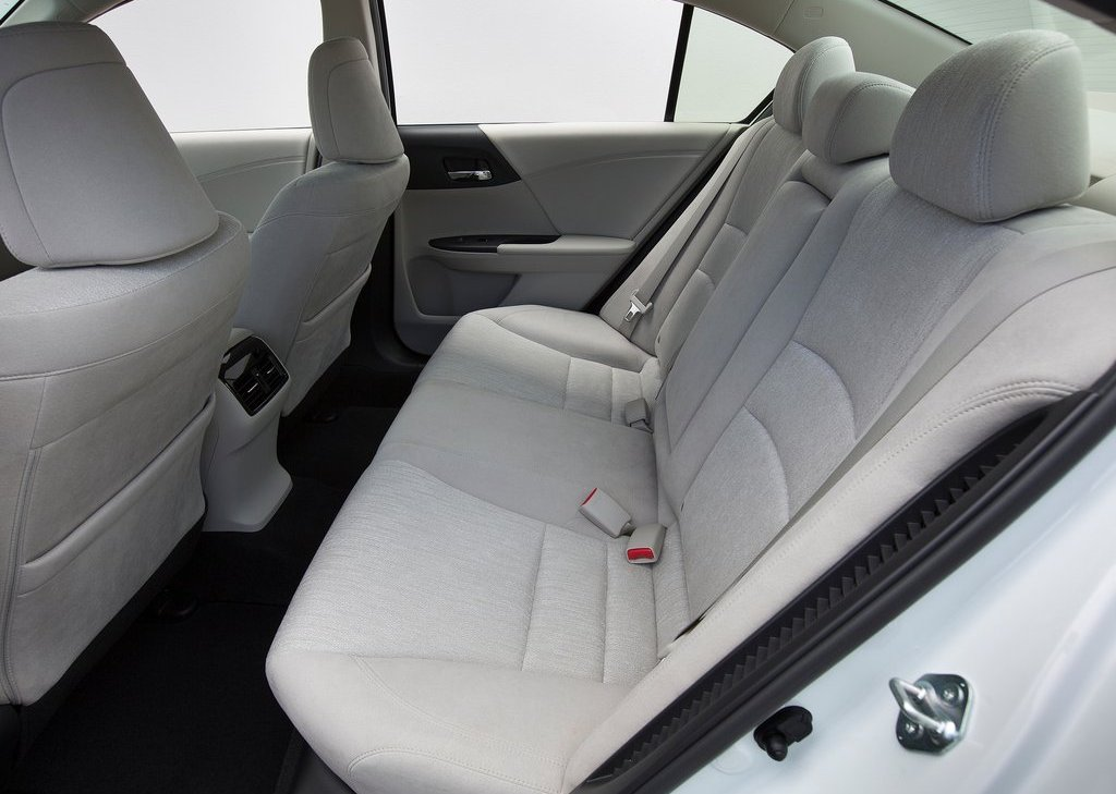 2014 Honda Accord PHEV Seat (Photo 12 of 15)