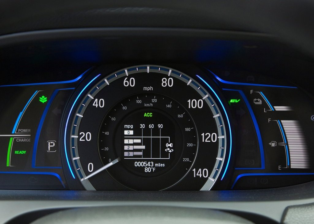 2014 Honda Accord PHEV Speed Meter (Photo 14 of 15)