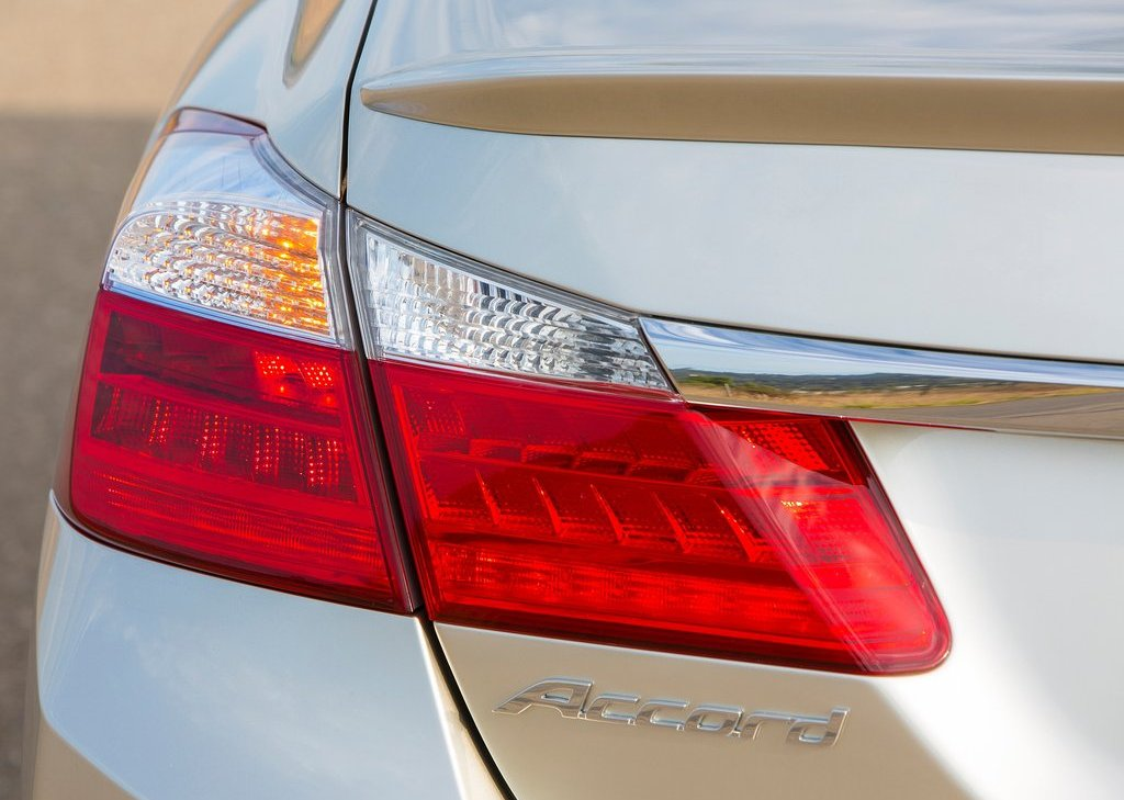 2014 Honda Accord PHEV Tail Lamp (Photo 15 of 15)