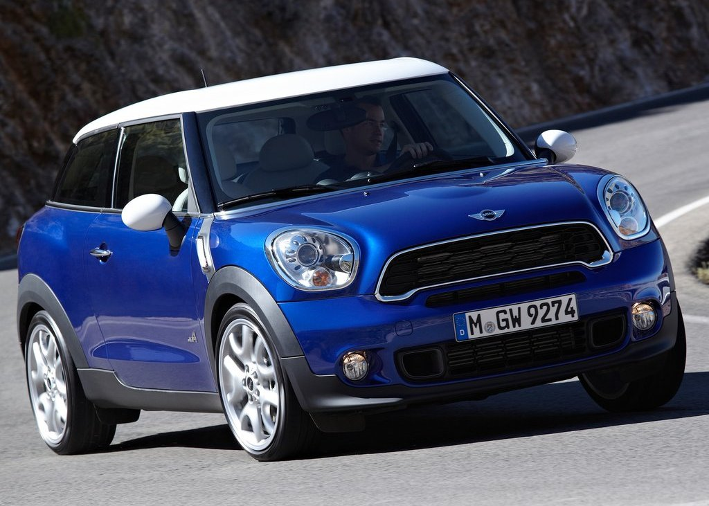 Featured Image of 2014 Mini Paceman Review