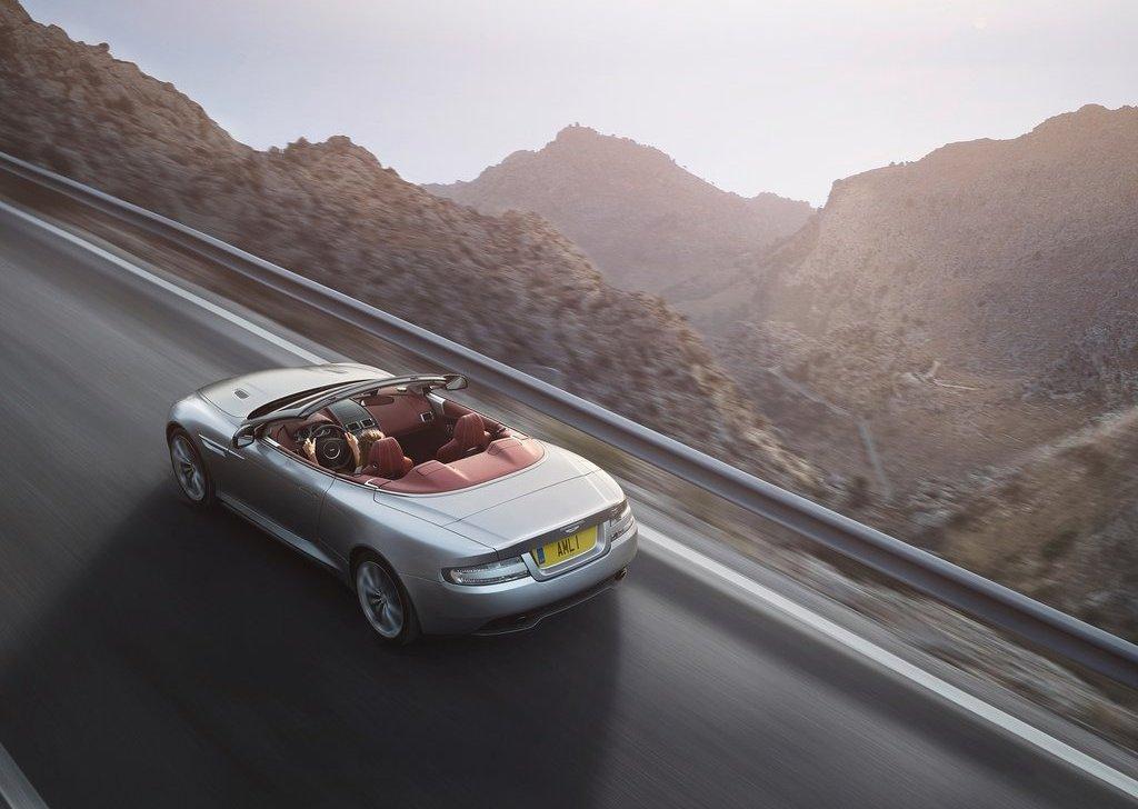 Aston Martin DB9 Top View (Photo 5 of 5)
