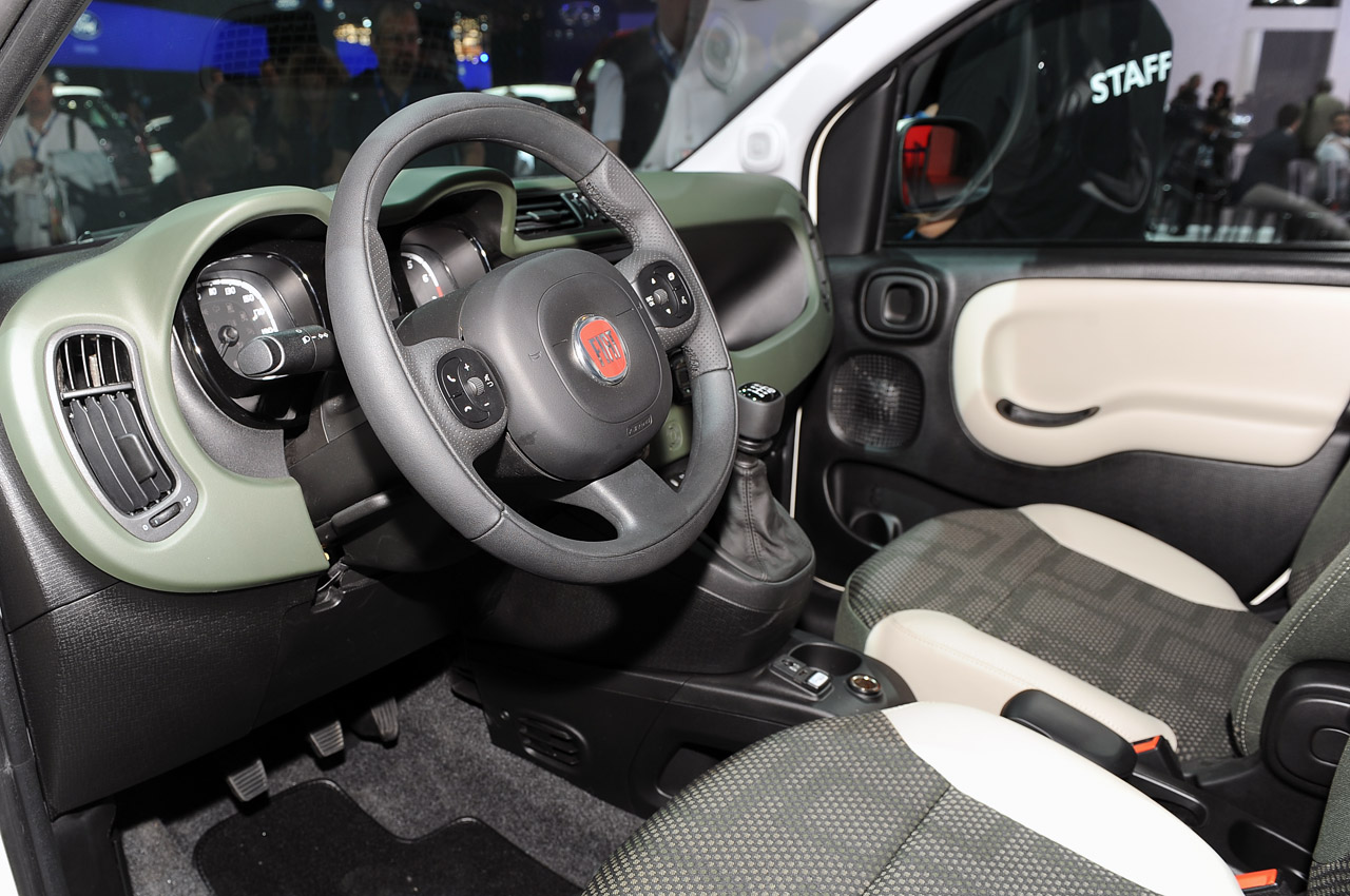 Fiat Panda 4×4 Interior (Photo 3 of 4)