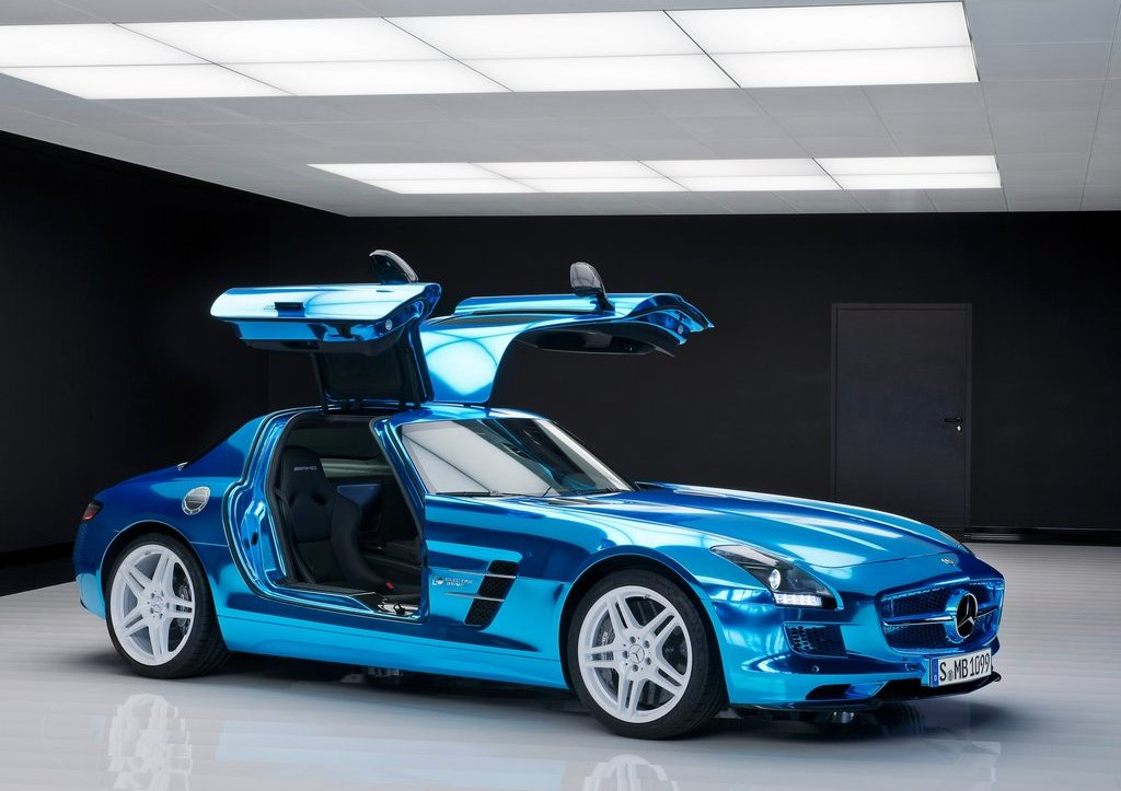 Mercedes SLS AMG Coupe Electric Drive Door (Photo 2 of 8)