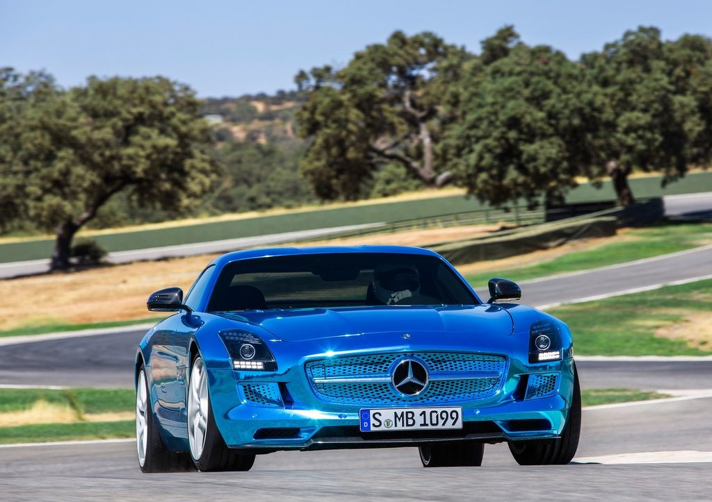 Mercedes SLS AMG Coupe Electric Drive Front (View 3 of 8)