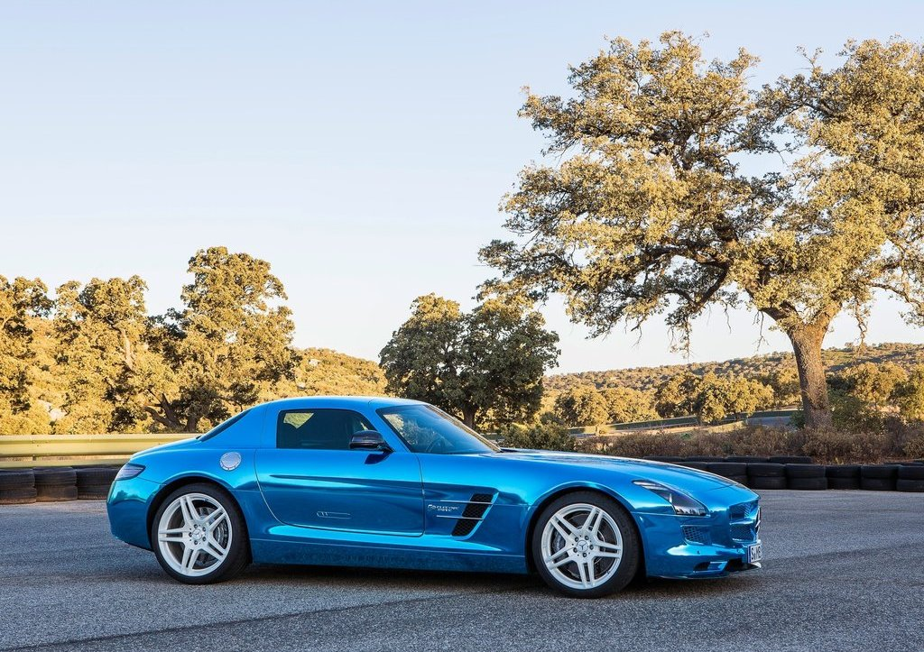 Mercedes SLS AMG Coupe Electric Drive Side (View 6 of 8)