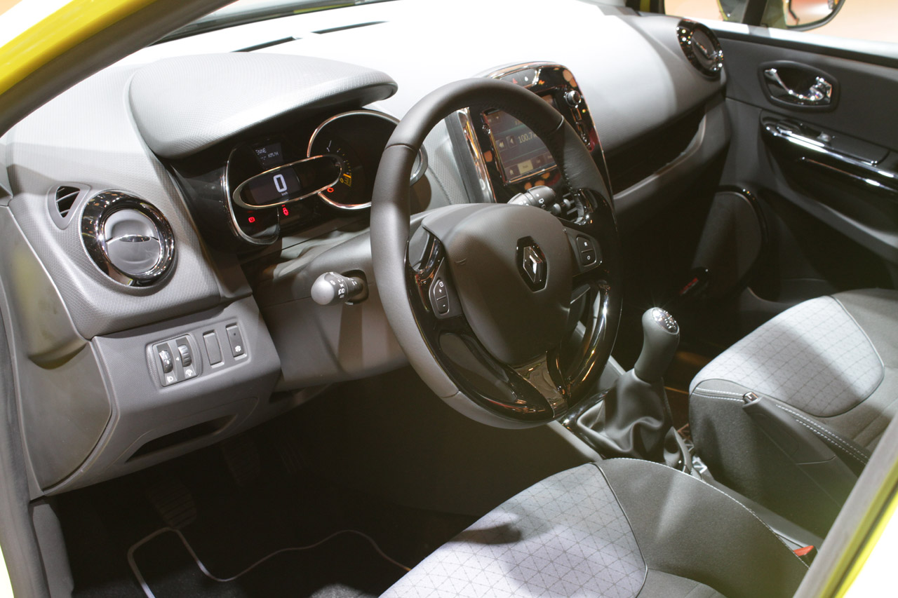 Renault Clio Interior (Photo 3 of 3)