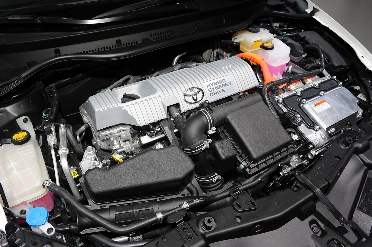 Toyota Auris Hybrid Engine (View 2 of 4)