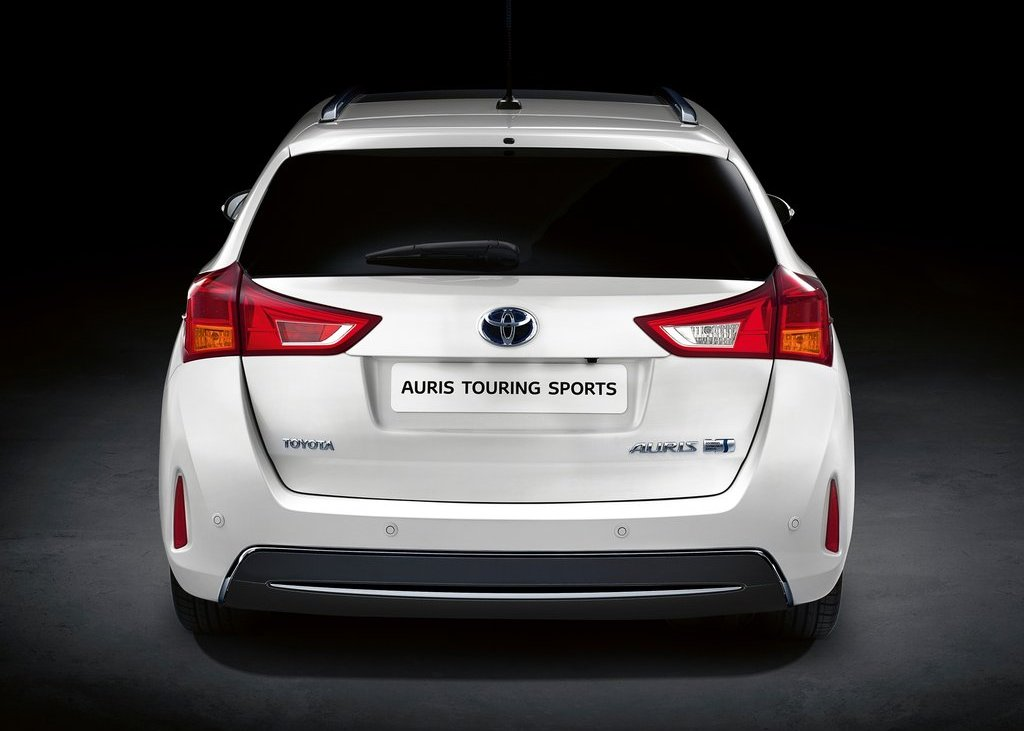 2013 Toyota Auris Touring Sports Rear View (Photo 3 of 5)