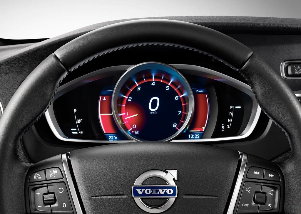 Volvo V40 Cross Country Dashboard (Photo 2 of 8)