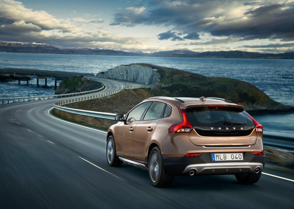 Volvo V40 Cross Country Rear (View 4 of 8)