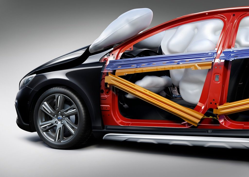 Volvo V40 Cross Country Safety System (Photo 5 of 8)