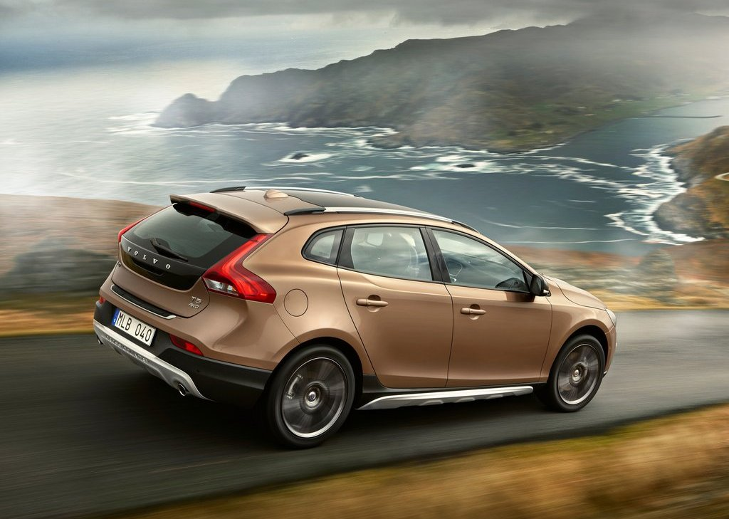 Volvo V40 Cross Country Side (Photo 7 of 8)