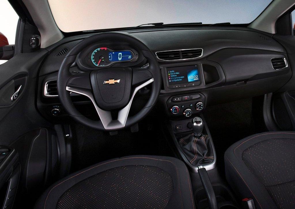 2013 Chevrolet Onix Interior (Photo 4 of 5)