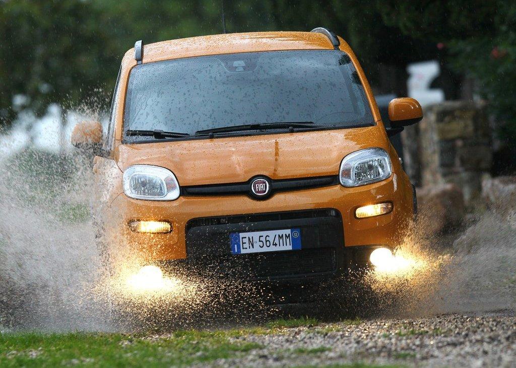 2013 Fiat Panda Trekking Front (View 2 of 5)