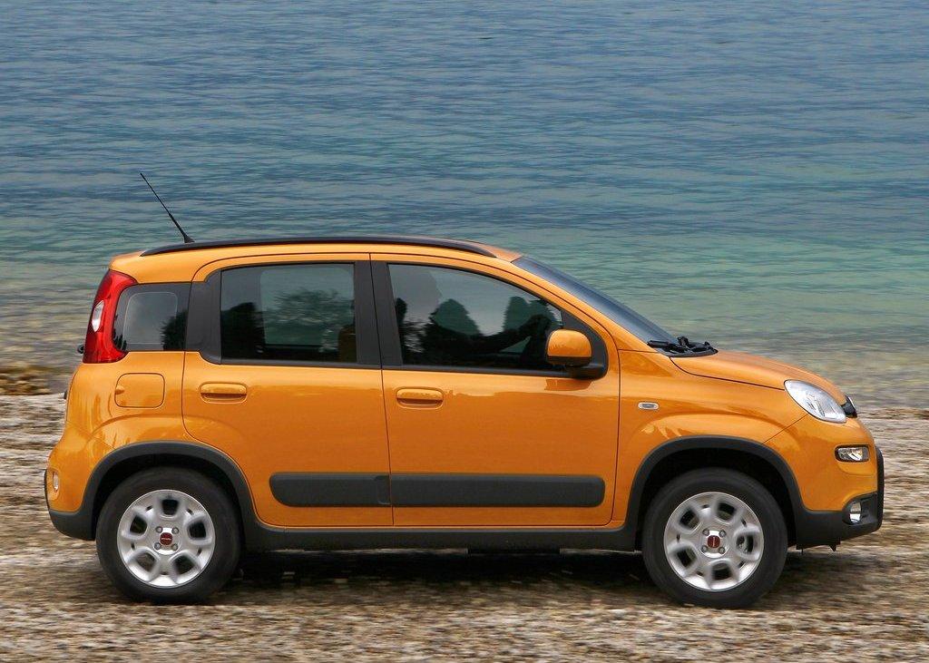 2013 Fiat Panda Trekking Side (View 4 of 5)