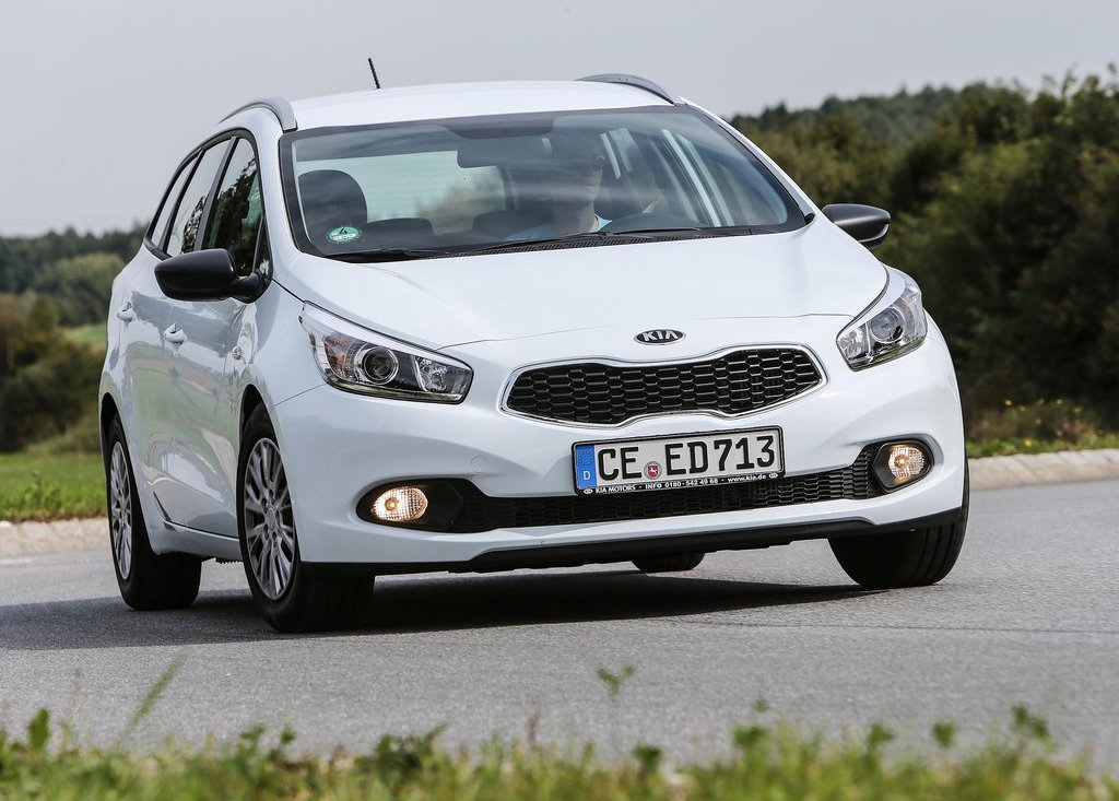 2013 Kia Ceed SW White (Photo 8 of 8)