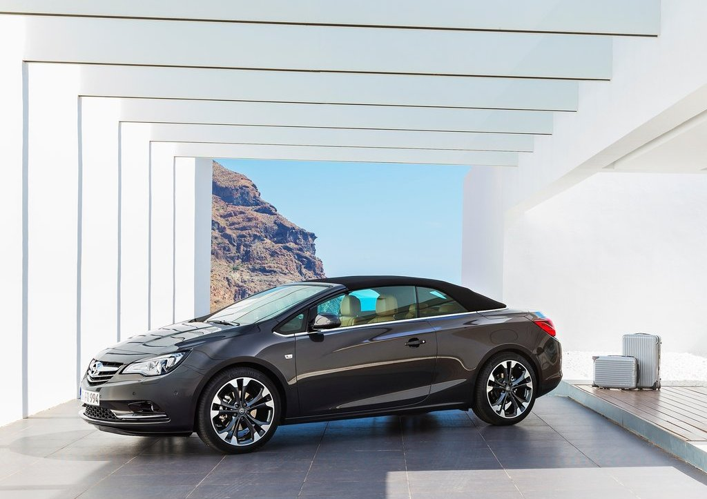 Featured Image of 2013 Opel Cascada Review