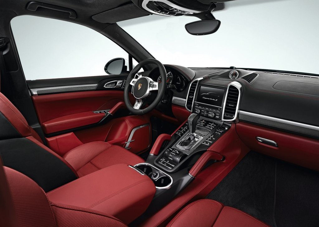 2013 Porsche Cayenne Turbo S Interior (Photo 4 of 5)