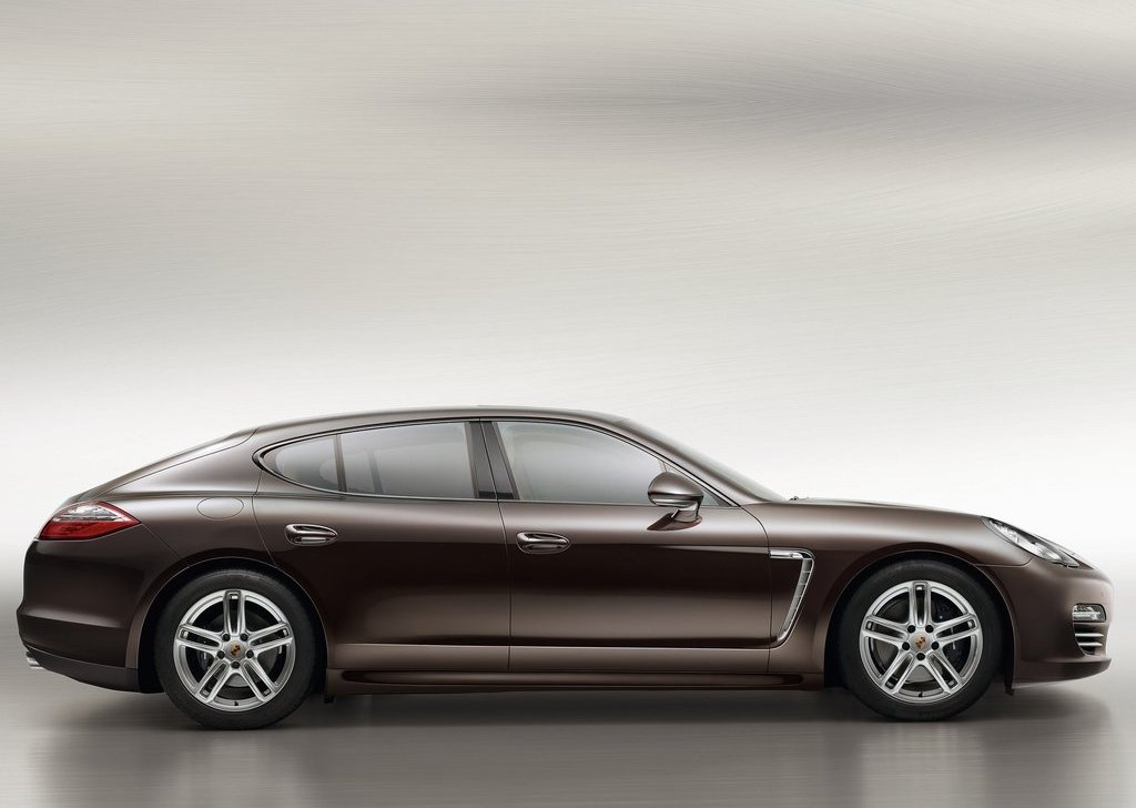 2013 Porsche Panamera Platinum Edition Side (Photo 5 of 5)