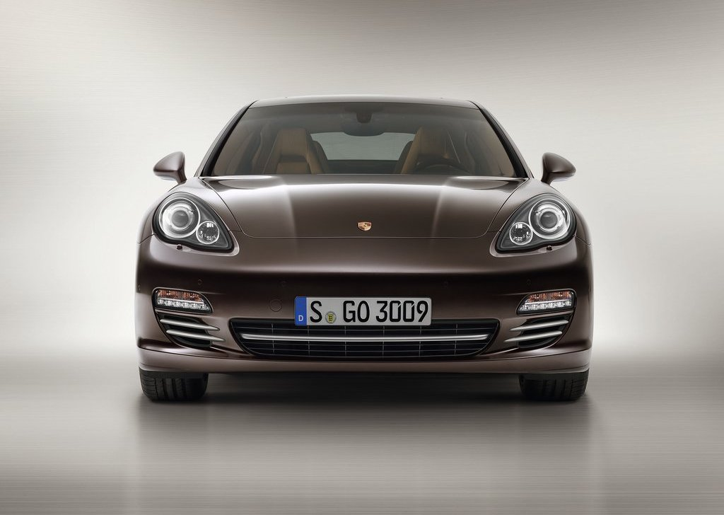 2013 Porsche Panamera Platinum Edition (Photo 1 of 5)