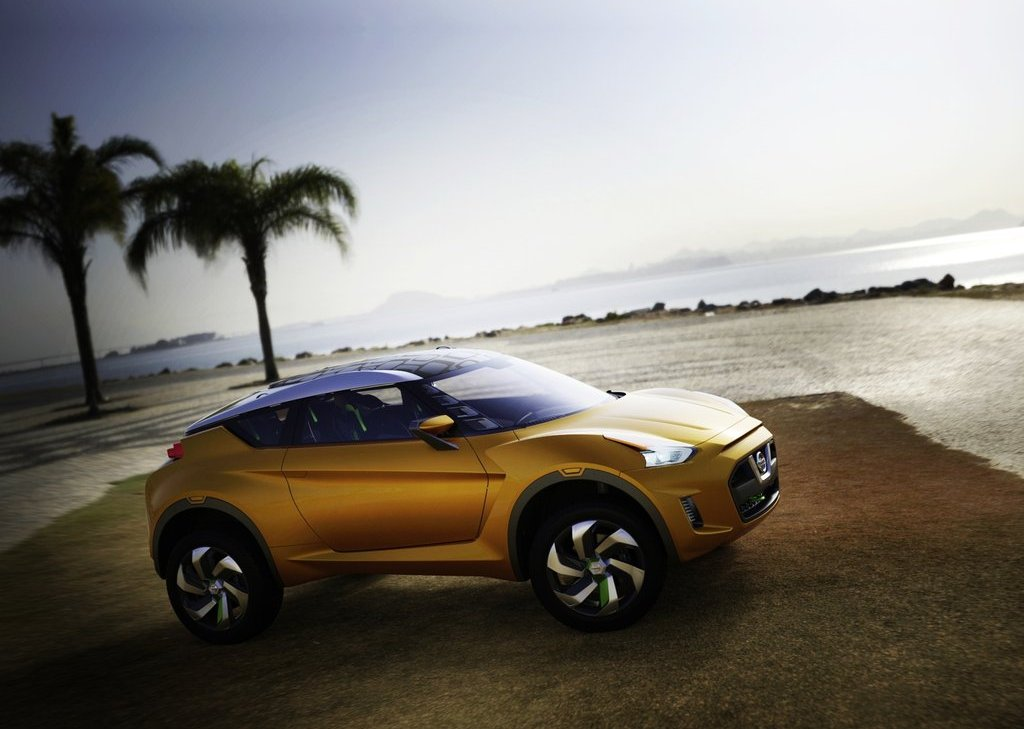 2012 Nissan Extrem Concept Front Angle (Photo 2 of 5)